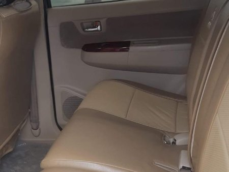 Selling Silver Toyota Fortuner 2006 in Makati