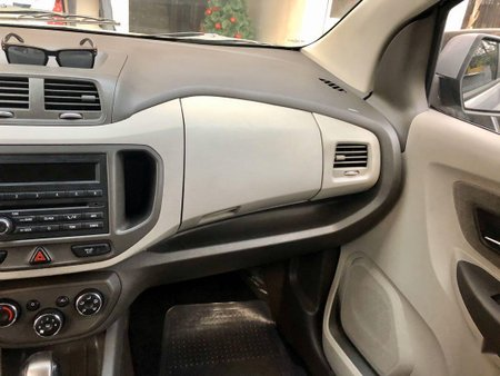 Beige Chevrolet Spin 2014 for sale in Automatic