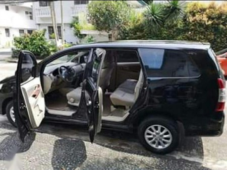 Black Toyota Innova 2012 for sale in Manual
