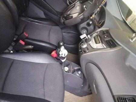 White Hyundai Eon 2013 for sale in Manual