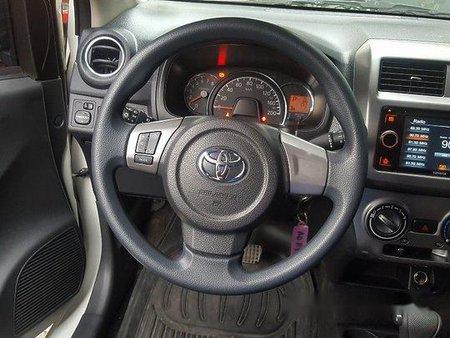 Selling White Toyota Wigo 2017 in Calasiao