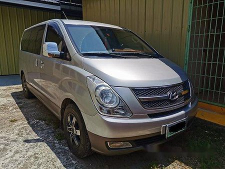 Sell Silver 2009 Hyundai Grand Starex in Cebu