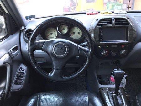 Selling Toyota Rav4 2000 in Quezon City
