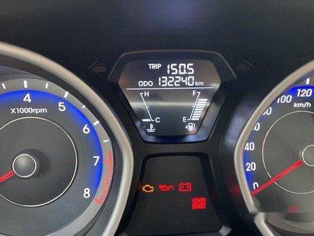 White Hyundai Elantra 2012 Manual for sale