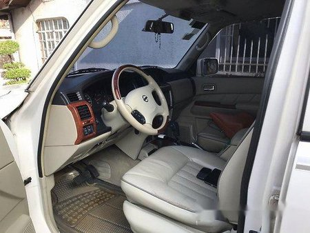 Selling White Nissan Patrol 2013 Automatic Diesel