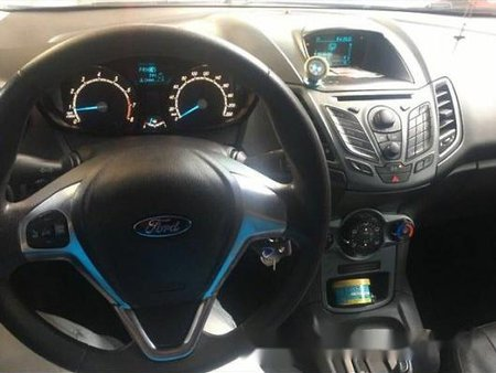 Blue Ford Fiesta 2014 at 47000 km for sale