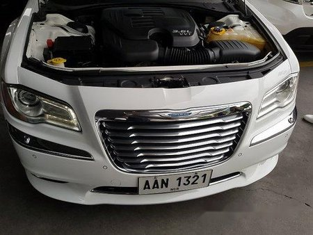 Selling White Chrysler 300c 2014 Automatic Gasoline