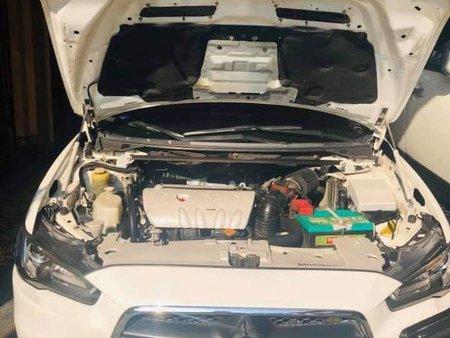 White Mitsubishi Lancer 2010 for sale in Automatic
