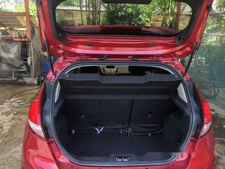 Selling Red Ford Fiesta 2015 Hatchback at 50000 km