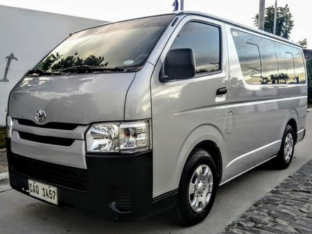 Toyota HiAce Commuter 2019 not 2018 2017