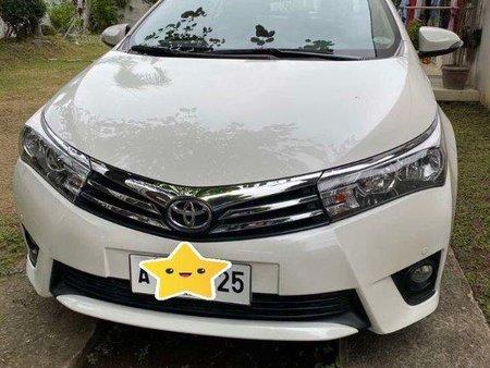 Pearl White Toyota Corolla altis 2015 for sale in Caloocan