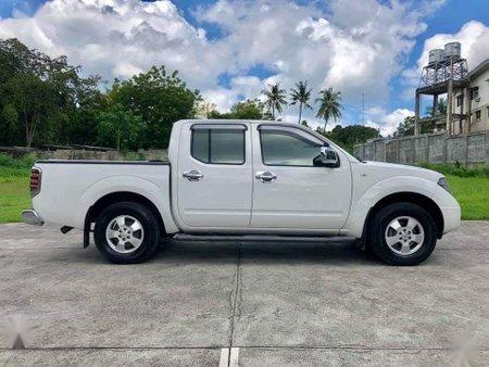 White Nissan Navara 2015 for sale in Baao
