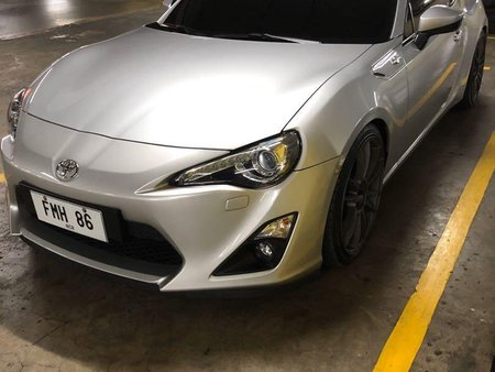 Selling Silver Toyota 86 2019 in Manila