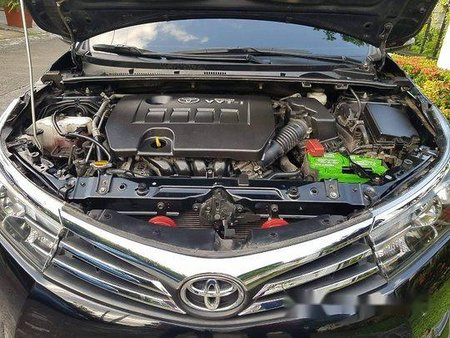 Black Toyota Corolla altis 2015 for sale in Manual