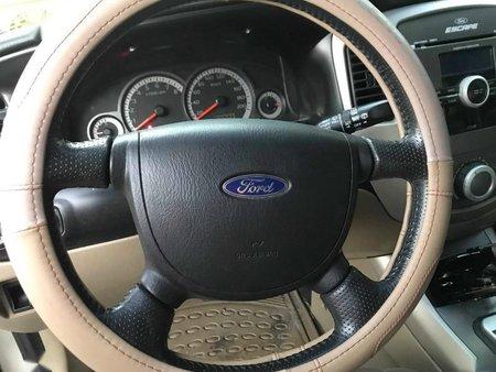 Selling Silver Ford Escape 2011 in Manila