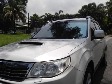 Selling White Subaru Forester 2009 in Manila