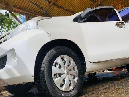 Selling White Toyota Avanza 2014 in Santa Rosa