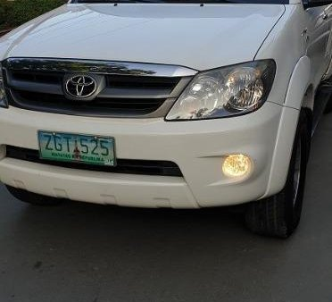 White Toyota Fortuner 2018 for sale in Las Pinas
