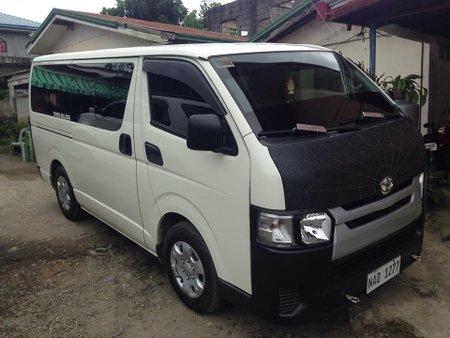 2017 Toyota Hiace Commuter 3.0L M/T