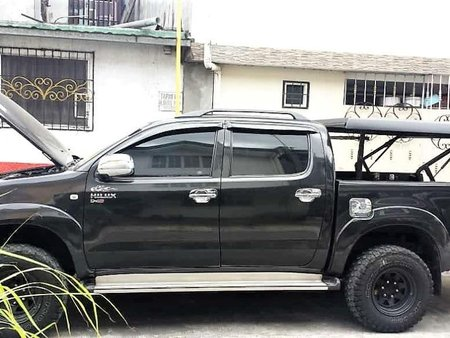 Black Toyota Hilux 2009 for sale in Manual
