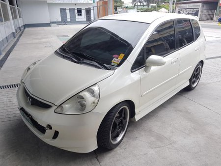 Sell Pearl White 2007 Honda Jazz in Tarlac