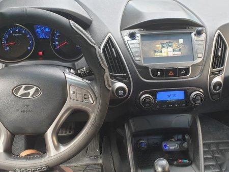 Sell 2011 Hyundai Tucson in Malabon