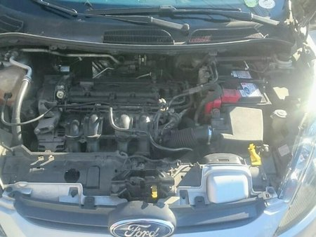 Silver Ford Fiesta 2013 for sale in Automatic