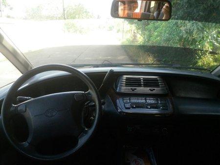 Selling Silver Toyota Estima 2001 in Dasmariñas