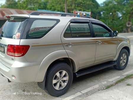 Silver Toyota Fortuner 2006 for sale in Cainta