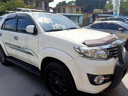 TOYOTA FORTUNER 2015 WHITE GAS