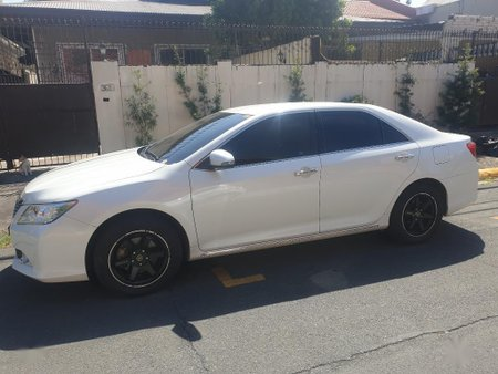Sell White 2018 Toyota Camry in Quezon City