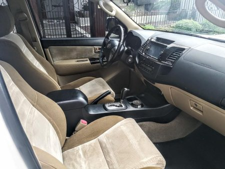 White Toyota Fortuner 2014 for sale in Manila