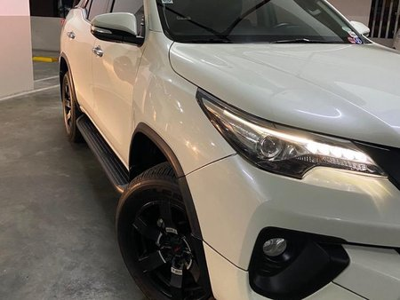 Sell White 2017 Toyota Fortuner in Manila