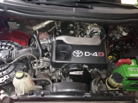 Selling Red Toyota Innova 2012 in Manila