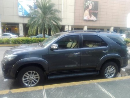 Sell Grey 2012 Toyota Fortuner in Manila