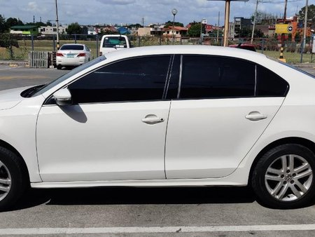 Sell White 2014 Volkswagen Jetta in Las Pinas