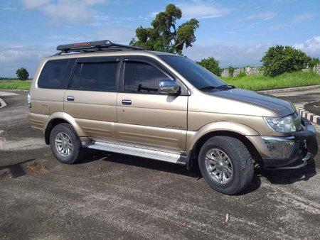 Selling Beige Isuzu Crosswind 2008 in Tanauan
