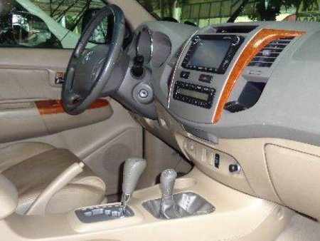 White Toyota Land Cruiser 2004 SUV / MPV for sale in Cebu City