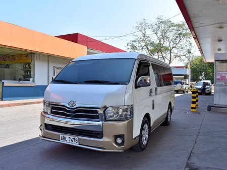 2015 Toyota Hi Ace Super Grandia 2015 AT 1.348m Nego Batangas Area Auto