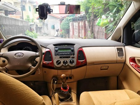 Selling Red Toyota Innova 2005 SUV / MPV in Quezon City