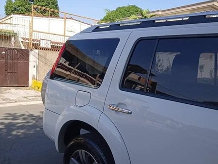 Sell White 2009 Ford Everest SUV / MPV at Manual in  at 66000 km in Quezon City