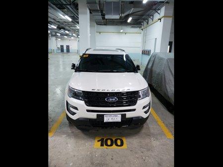 Selling White Ford Explorer 2016 SUV / MPV in Lapu-Lapu
