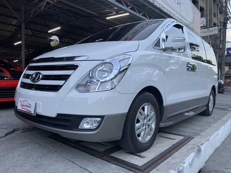 2018 Hyundai Grand Starex Gold 12tkms only