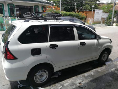White Toyota Avanza 2019 1.3 J MT slightly nego in Parañaque
