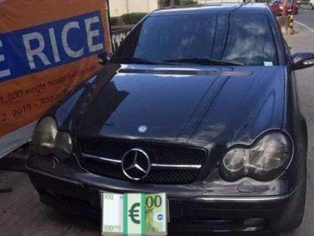 2002  Mercedes Benz C200k