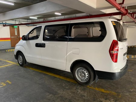 White Hyundai Grand starex 2017 for sale in Makati