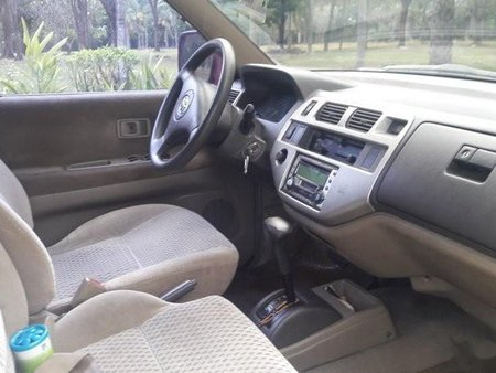 Selling Red Toyota Previa 2004 in Manila