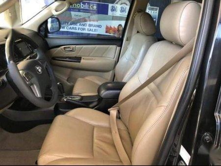 Selling Black Toyota Fortuner in Bacoor
