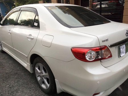 White Toyota Corolla altis for sale in Manila