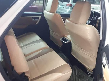 White Toyota Fortuner for sale in Taguig